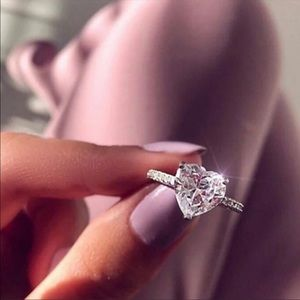 New S925 Sterling Silver halo Diamond Heart Ring